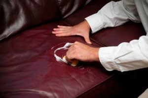 làm sạch ghế sofa da hoặc sofa nỉ
